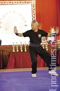 師父_林禮懋先生_新唐人全世界華人武術大賽開幕表演.jpg