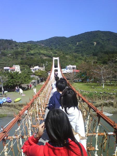 佳樂水吊橋…對面也沒東西竟要收十塊…