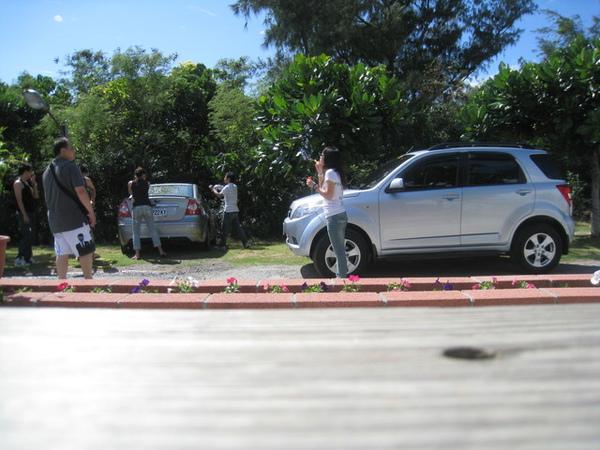 第三天一早洗個車…竟有人在吹泡泡