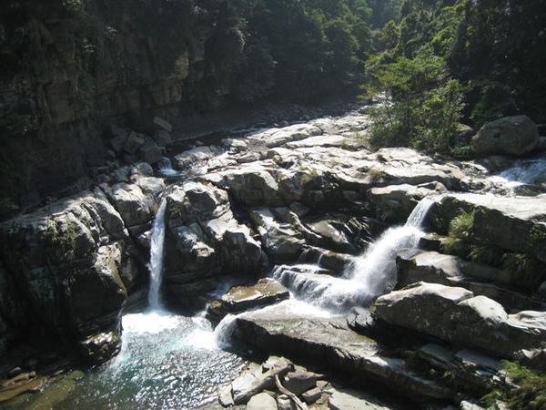 神祕谷瀑布