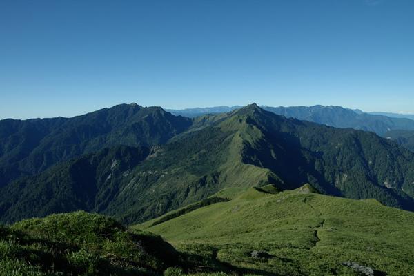能高主、能高南~這段稜線實在太美了