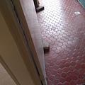廚房地板.jpg