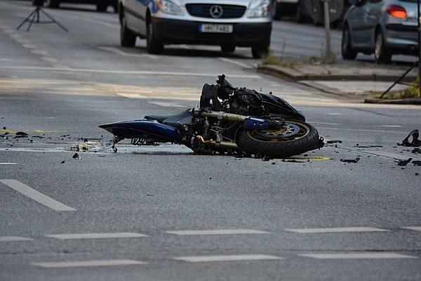 motorcycle-1041070_1280.jpg