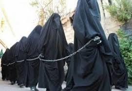 「Isis士兵在敘利亞和伊拉克綁架的少女」的圖片搜尋結果