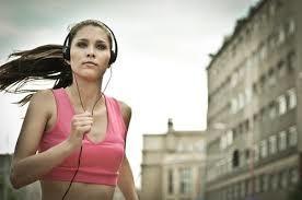 「跑步聽音樂」的圖片搜尋結果