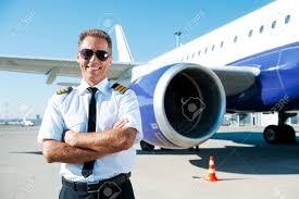 「captain in airplane」的圖片搜尋結果