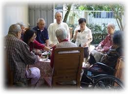 「老人照護」的圖片搜尋結果