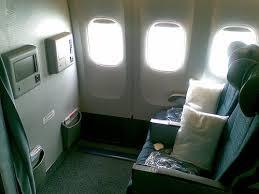 「飛機走道或窗邊」的圖片搜尋結果