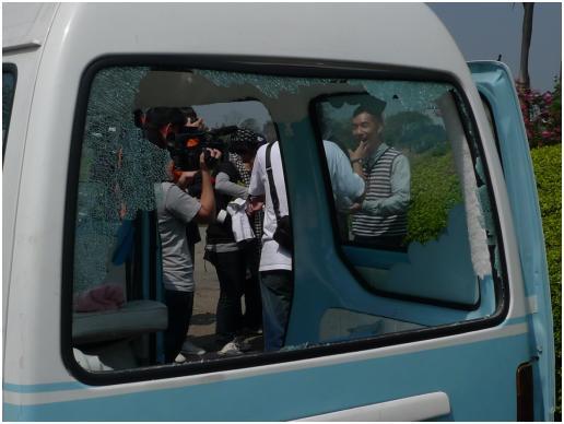 擋風玻璃網協助<偷心大聖P.S男>更換汽車玻璃