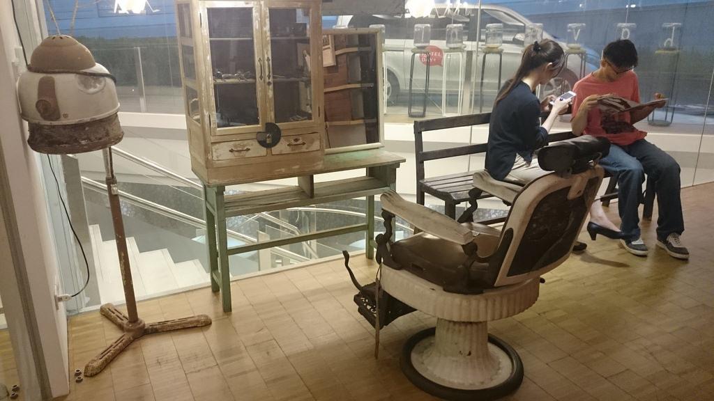 復古理髮椅