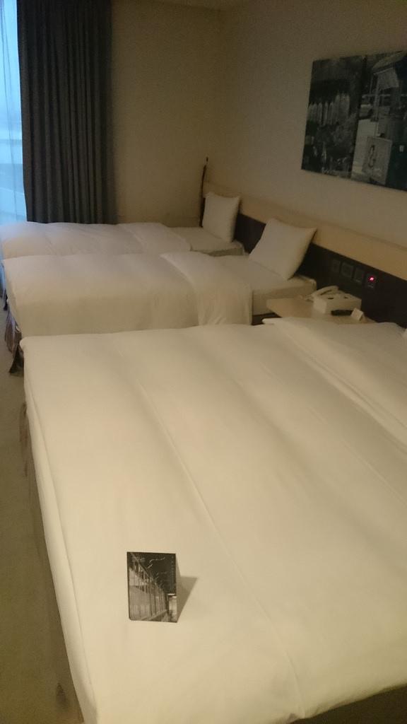 一大兩小床房型