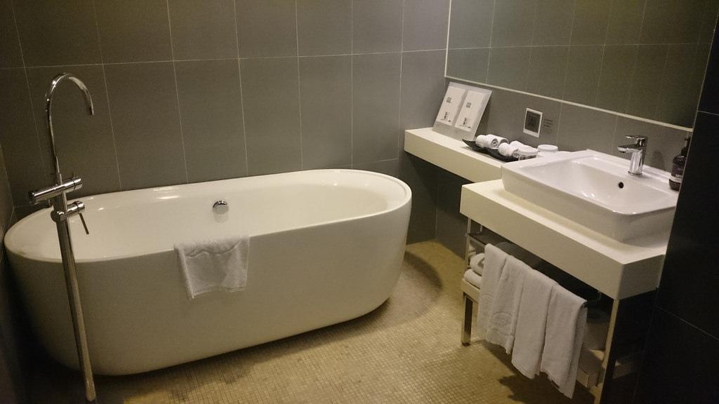 浴室 浴缸