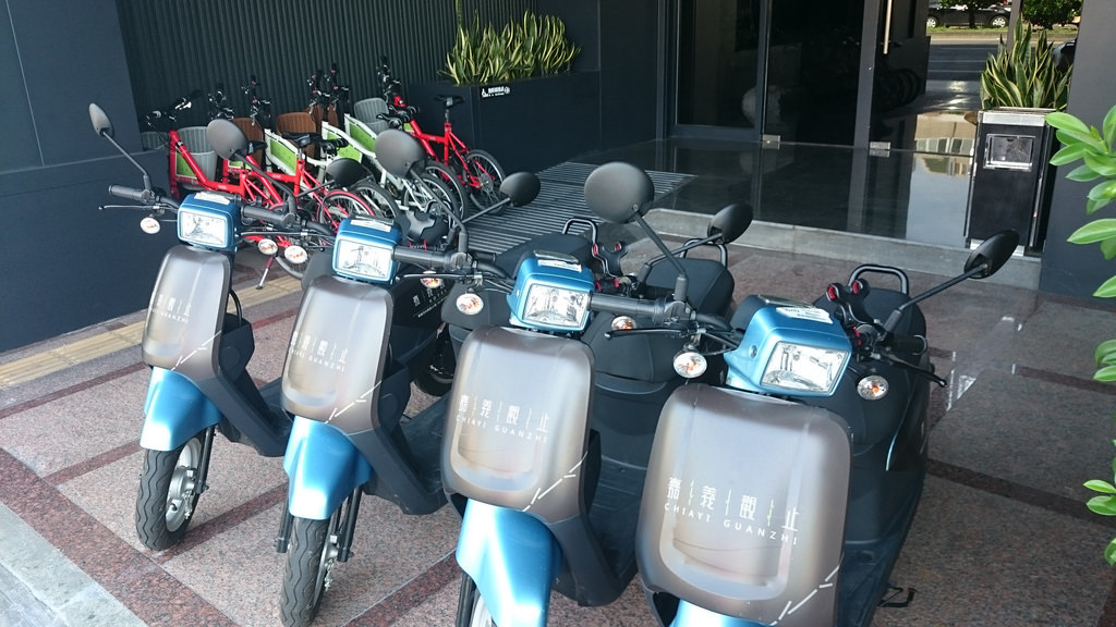 飯店電動車與腳踏車