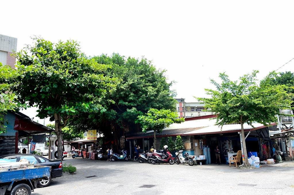 花蓮 榕樹下麵店