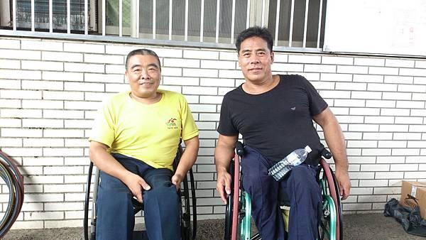 右:柯理事長(大頭大哥).jpg