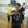 董事長表示在有氧舞蹈課程中學會了熱身與收操的重要性,並表達自己很享受在跳舞的過程.JPG