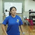 體育系大三的嘉君同學來實際帶領學員有氧舞蹈運動囉.JPG