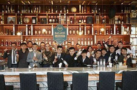 2019BLCC台港澳區評審與11強選手合影.jpg