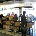 舊金山機場入關後的酒吧