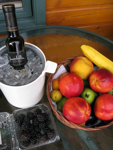 喝冰酒,配水果