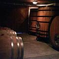 Monticello Wine-Tasting Room: barrel wine