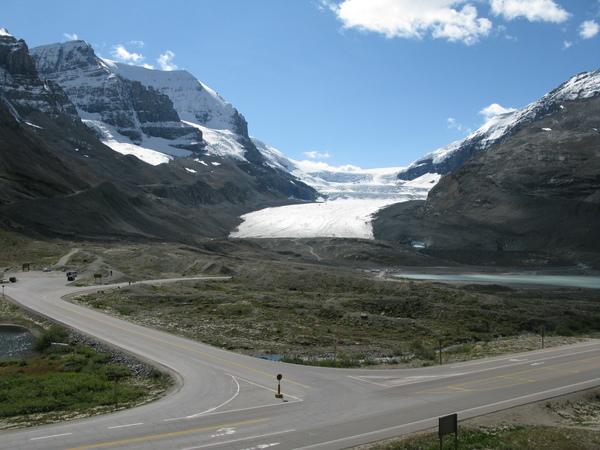 哥倫比亞冰原遠拍
