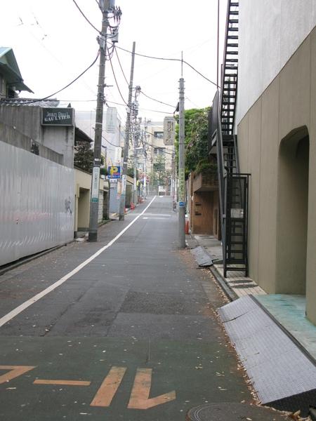 表參道旁小巷
