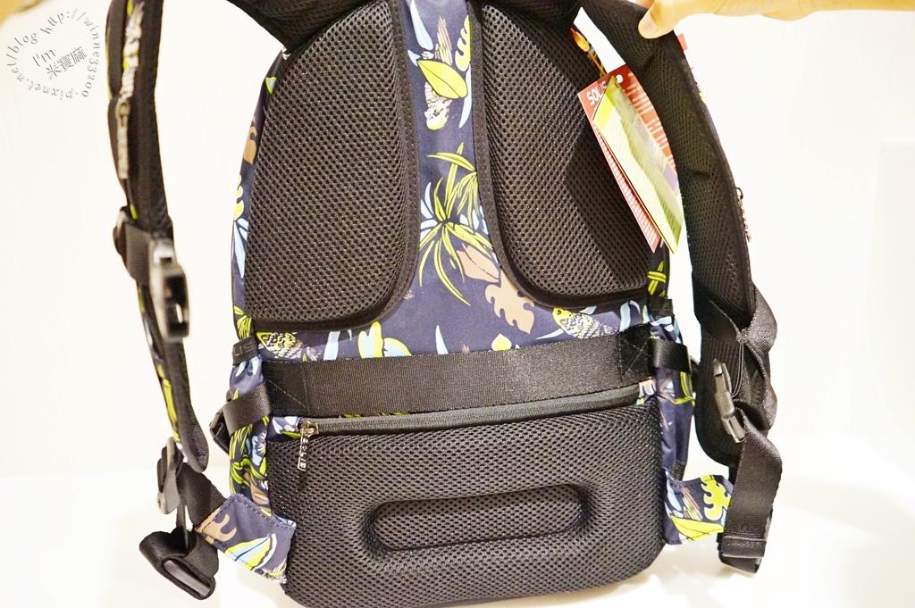 SOLIS防潑水後背包12