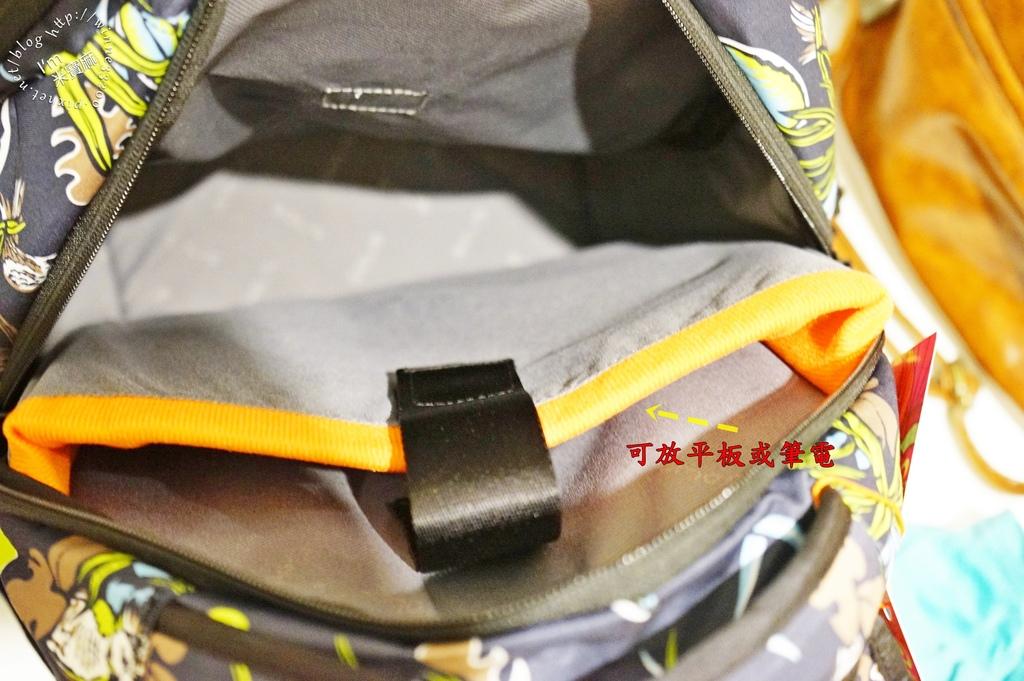 SOLIS防潑水後背包14