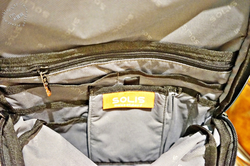 SOLIS防潑水後背包15