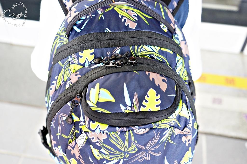 SOLIS防潑水後背包21