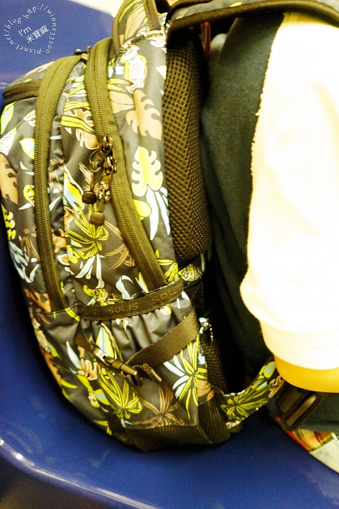 SOLIS防潑水後背包27