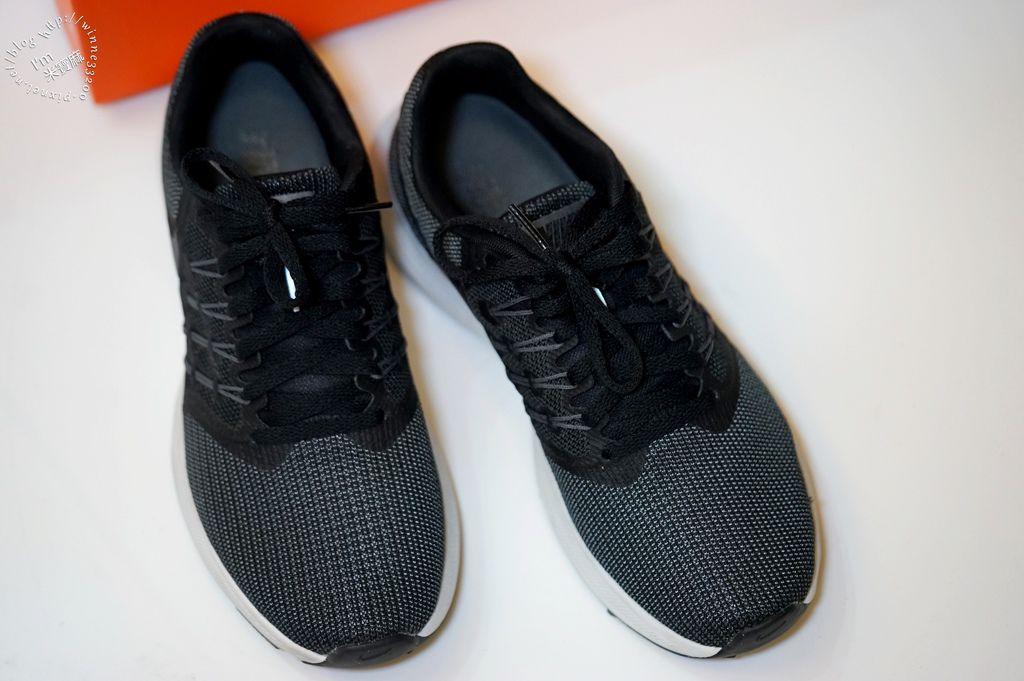 不敗品牌NIKE黑酷運動鞋_4