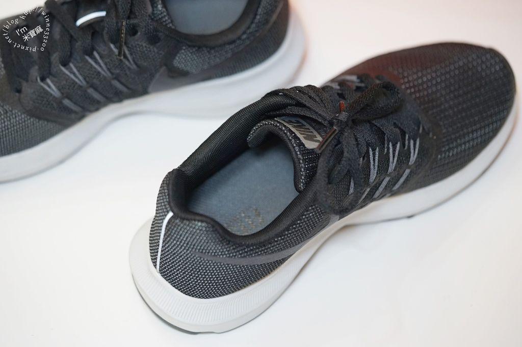 不敗品牌NIKE黑酷運動鞋_6
