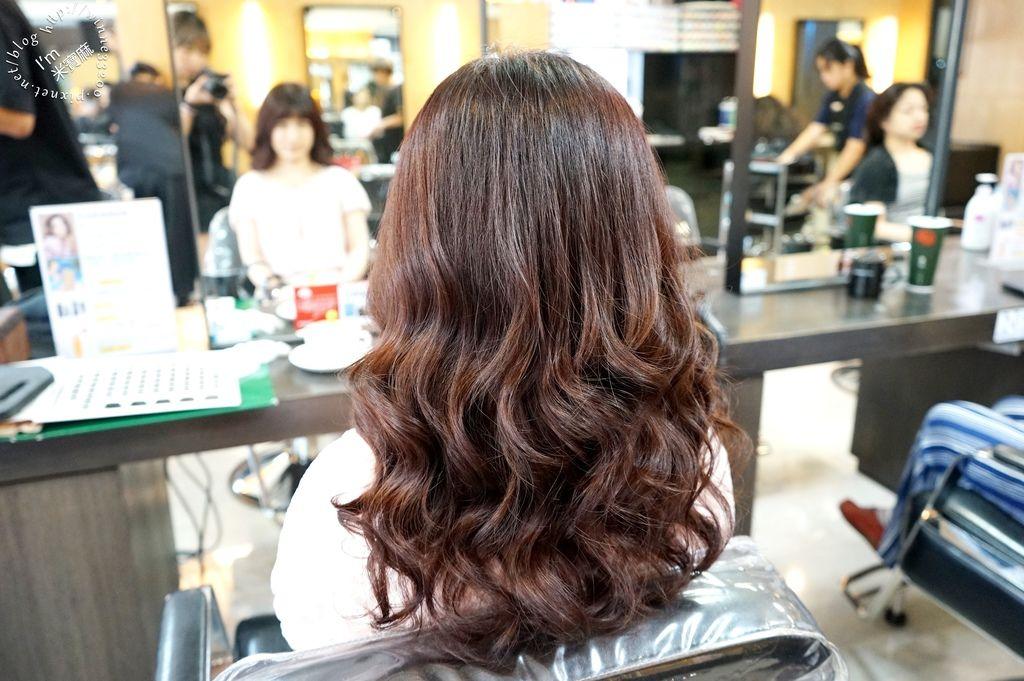 Happy Hair 育德店。設計師Amber (29)