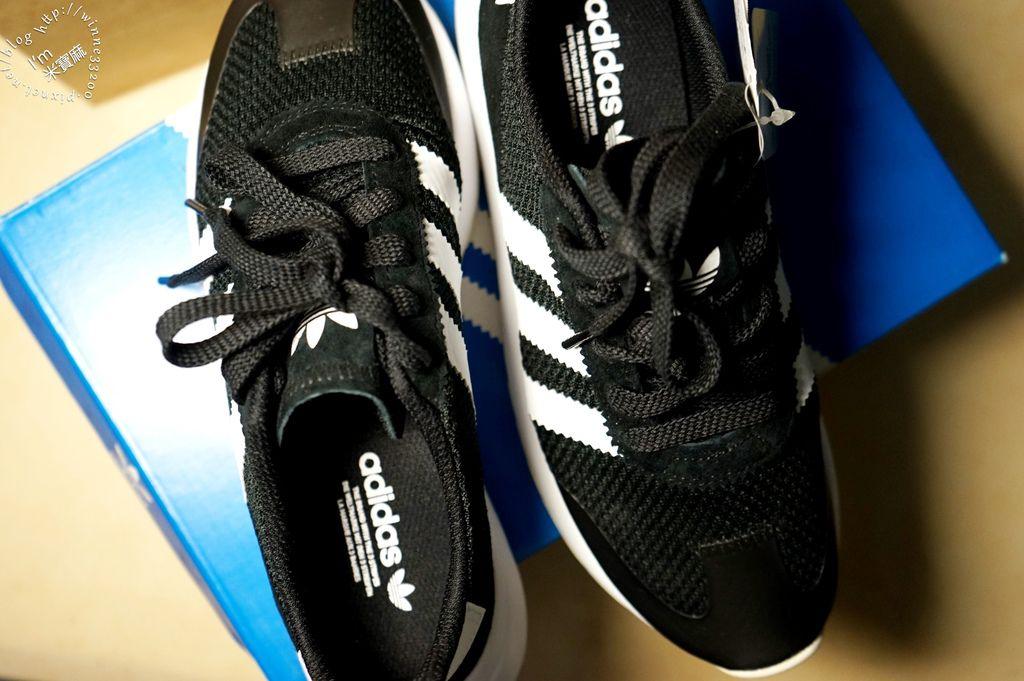 adidas 復古鞋 FLB W 網布慢跑鞋 (5)