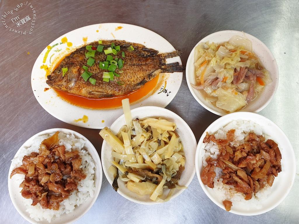 玉燕家傳肉粽、魯肉飯┃寧夏夜市老字號小吃。各式便當及湯品、小菜都有