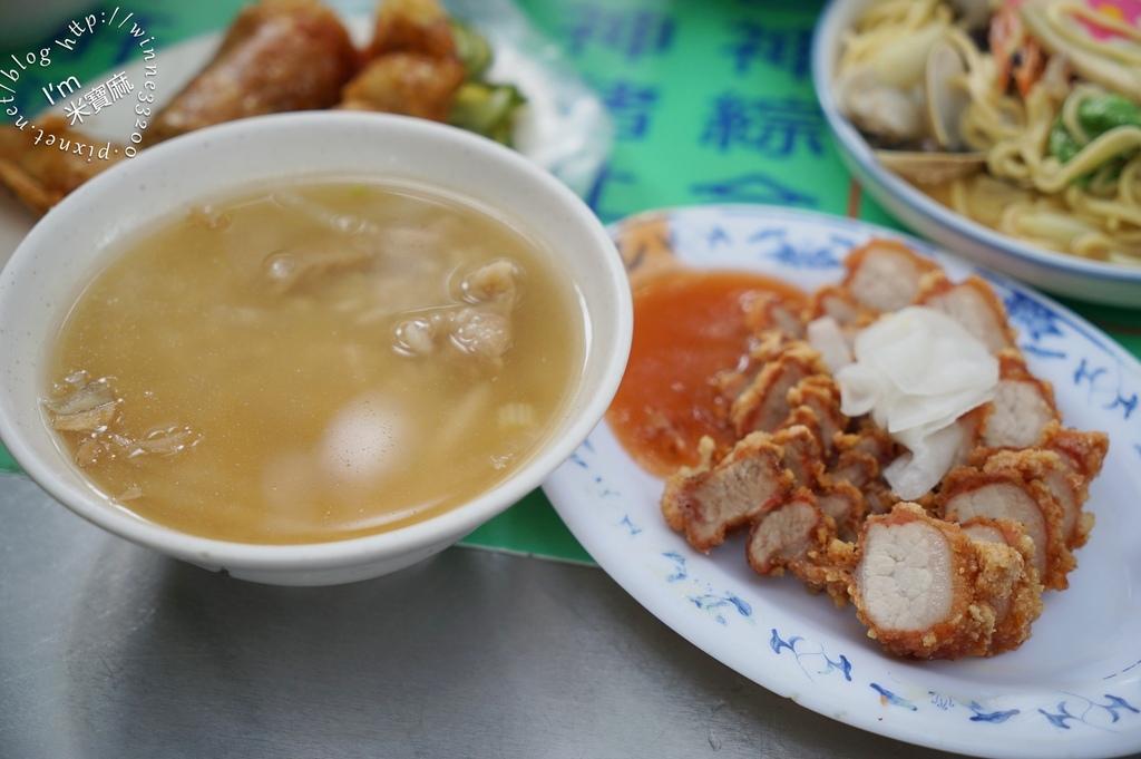 葉家肉粥┃大稻埕慈聖宮美食。古早味好吃肉粥和炸物的好選擇
