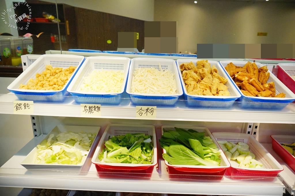 台灣鍋┃台北吃到飽火鍋,299吃到飽 CP值爆表。提供數十種生鮮食材超有誠意