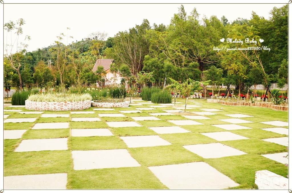蘿莎玫瑰莊園 (2).JPG