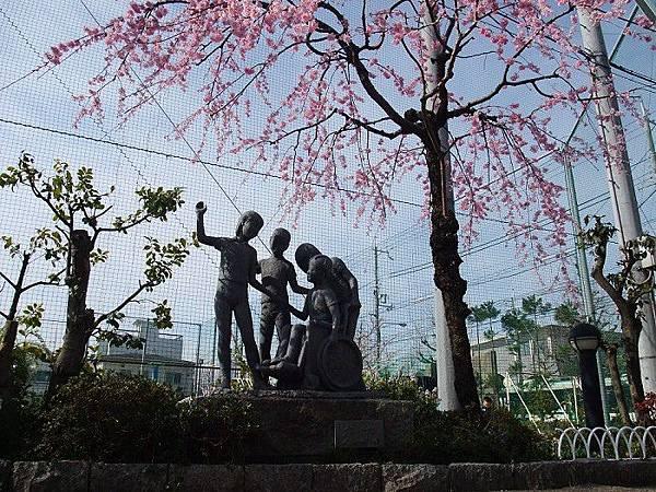 平野神社旁學校.jpg