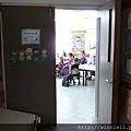 從教室外拍攝