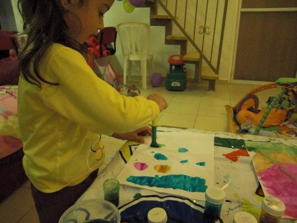 姐姐玩水彩4