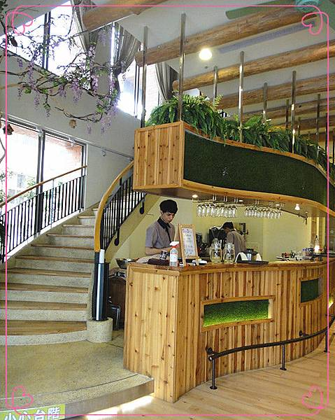 一樓用餐環境2.jpg
