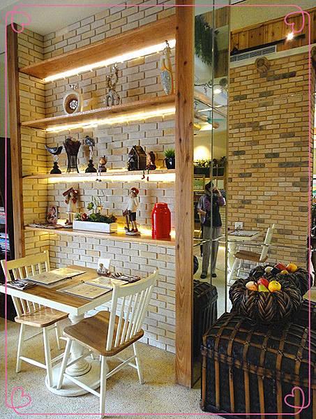一樓用餐環境3.jpg