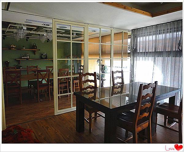 二樓用餐環境4.jpg