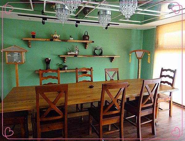 二樓用餐環境5.jpg