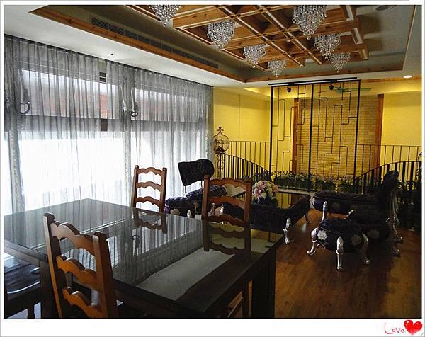 二樓用餐環境6.jpg