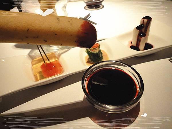 純素迷迭香火柴麵包佐藍莓醬.jpg