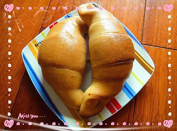 純素牛角造型麵包.jpg